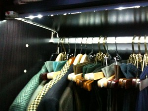 wardrobe_left