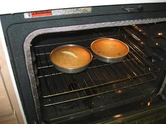 white-cakes-in-oven60
